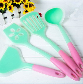 4 Piece Heat Resistant Cooking Utensil Set